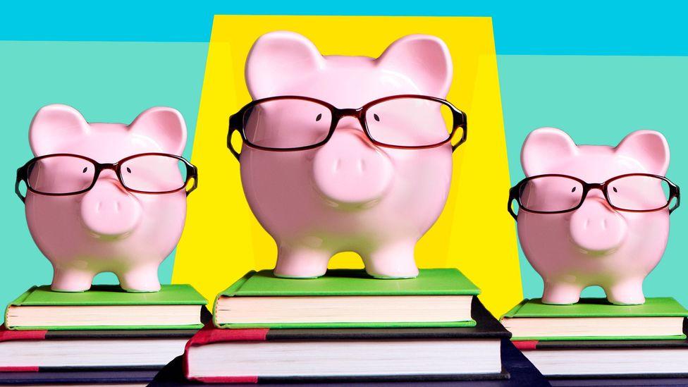Piggybank graphic (Credit: Javier Hirschfeld/Getty Images)