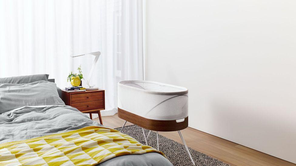 Snoo cot in room (Credit: Fuseproject)