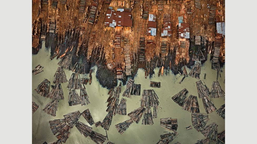 Saw Mills #1, Lagos, Nigeria, 2016 (Credit: Edward Burtynsky, courtesy Flowers Gallery, London/Metivier Gallery, Toronto)