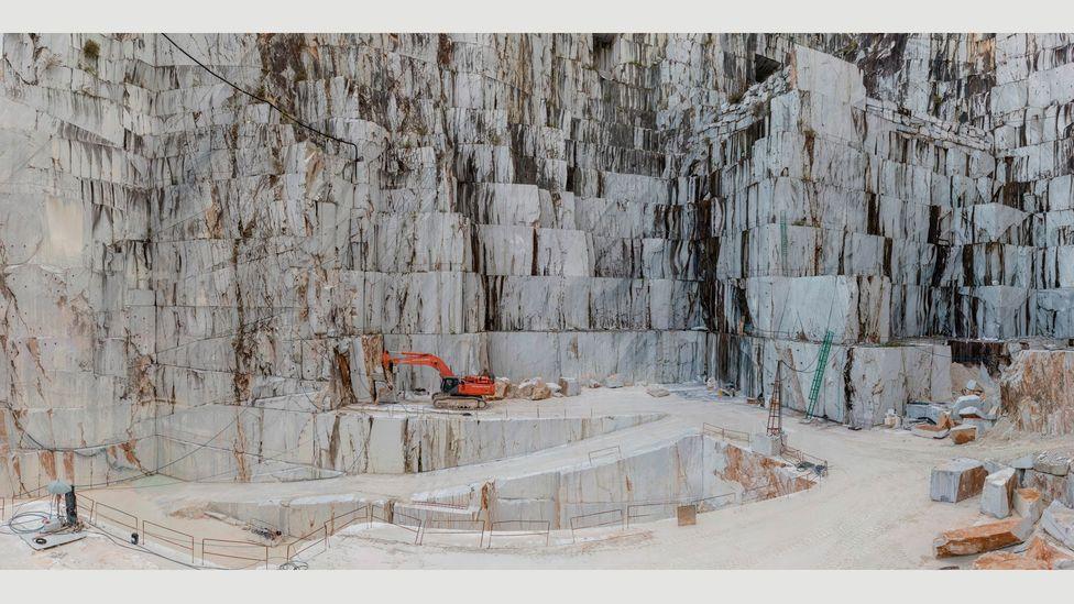 Carrara Marble Quarries, Cava di Canalgrande #2, Carrara, Italy, 2016 (Credit: Edward Burtynsky, courtesy Flowers Gallery, London/Metivier Gallery, Toronto)