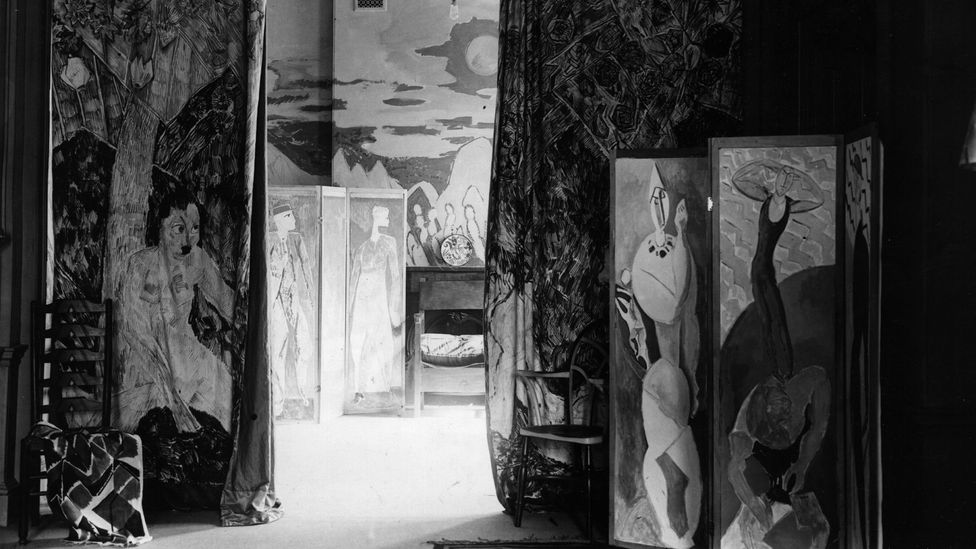 Bloomsbury group members Roger Fry, Vanessa Bell and Duncan Grant joined forces and formed the Omega workshop (Credit: Getty Images)