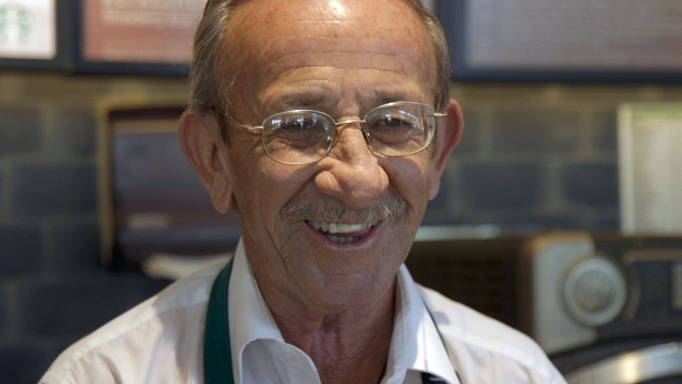 64-year-old barista Gerardo Flores is one of the employees who work at a Mexico City Starbucks at which all employes are aged 50 and older (Image: Sebastian Diaz)