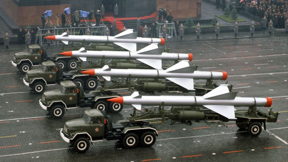 Surface-to-air missiles on parade in Red Square on the 65th anniversary of the October Revolution (Credit: Getty Images)