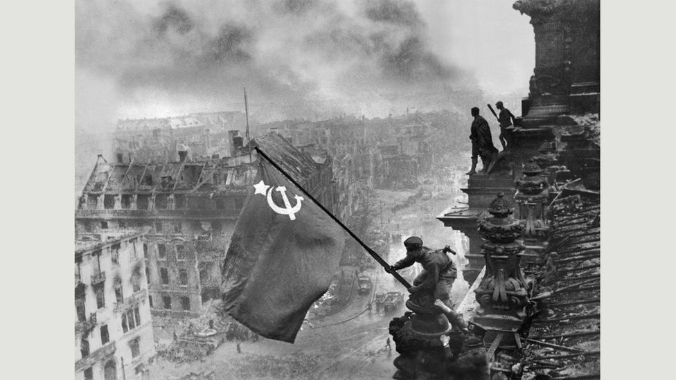 Yevgeny Khaldei,Banner of Victory,Berlin, May 1945 (Credit: Copyright the artist courtesy Atlas Gallery)