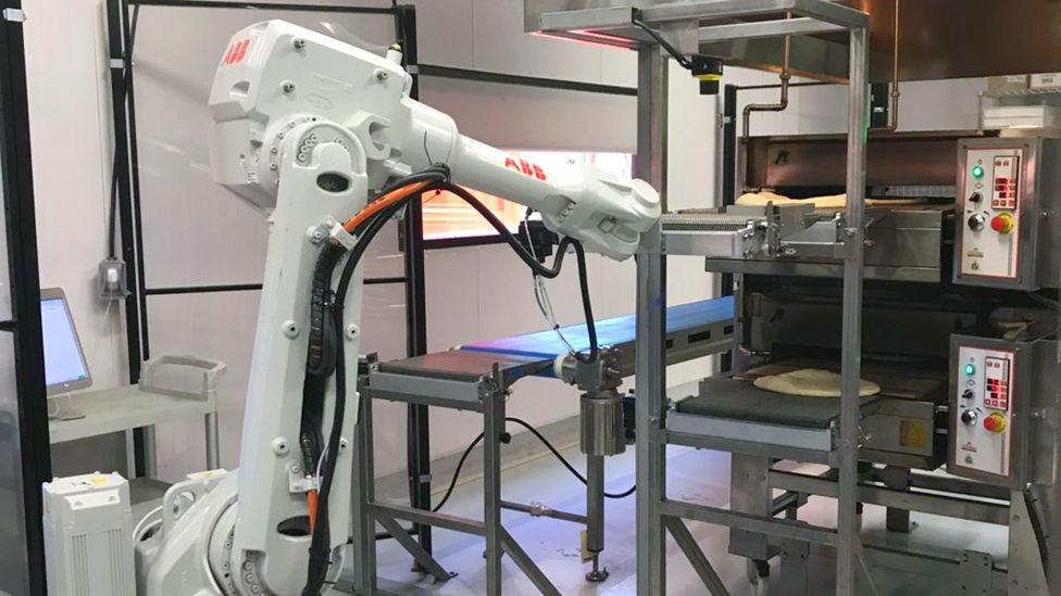 Pizza baking robots could revolutionise the fast food delivery industry by helping customers get their takeaway faster and fresher (Credit: Zume Pizza)
