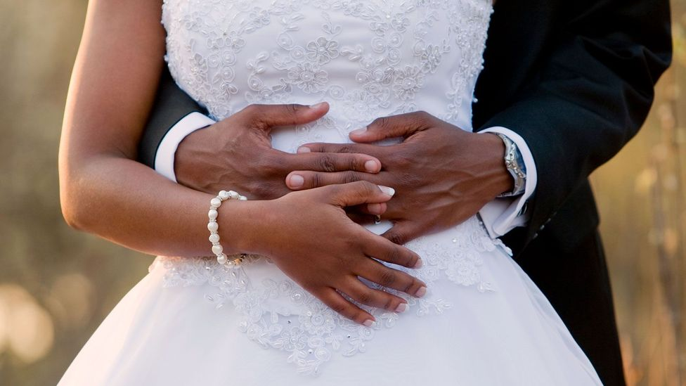 A cheaper wedding has been tied to a longer-lasting marriage (Credit: Getty)