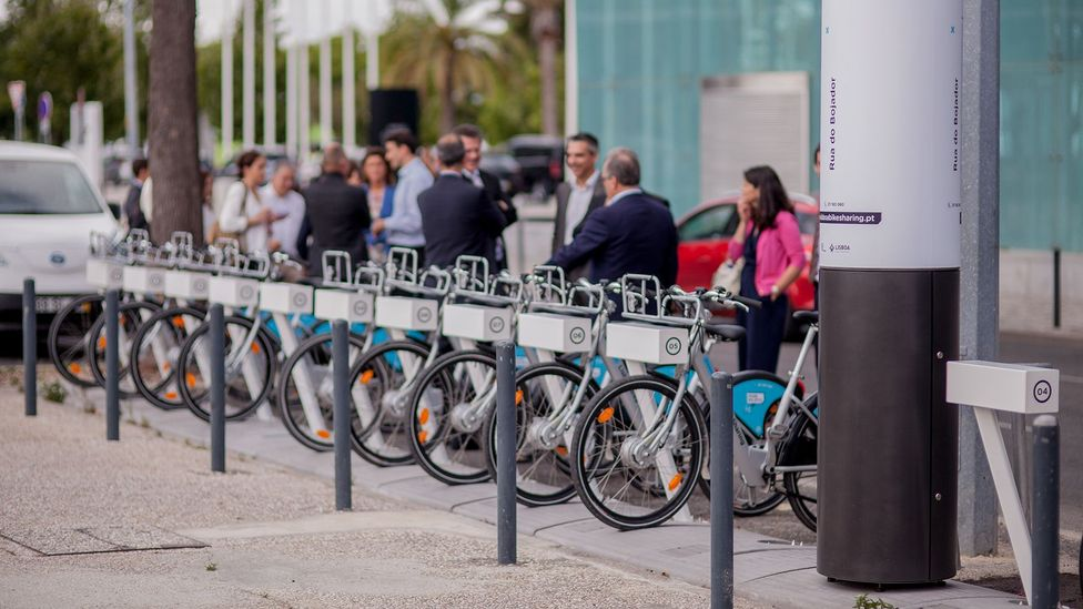 Keeping track of electric bikes as people move them around a city is a mind boggling task for a human but relatively easy for a computer (Credit: Siemens Mobility)
