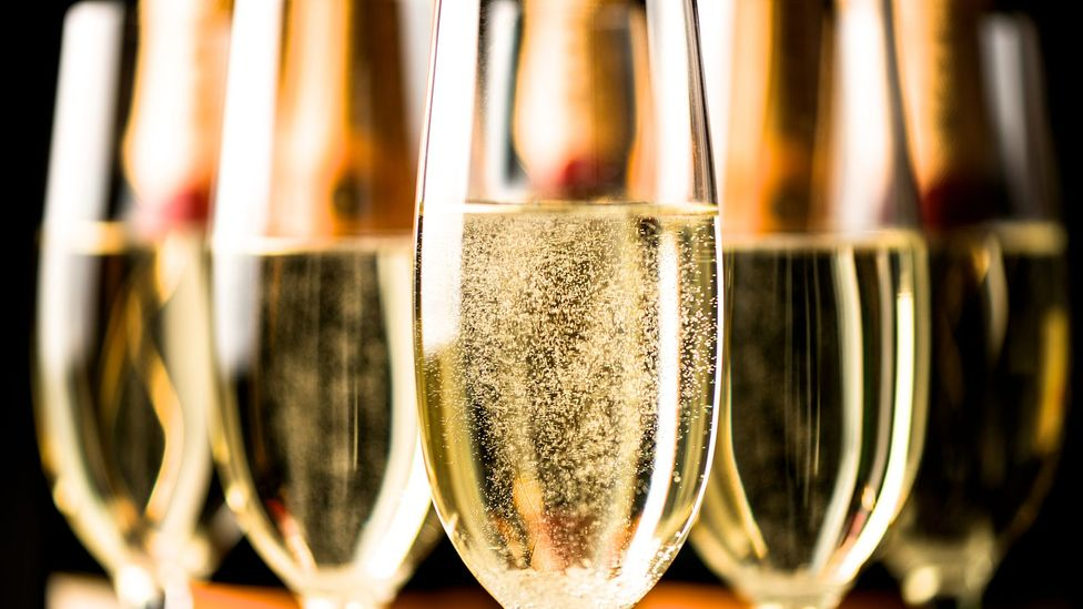 Champagne flutes (Credit: Getty Images)