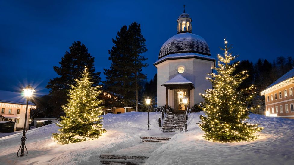 Every Christmas Eve, hundreds of people gather at the Silent Night Chapel in Obendorf, Austria, to sing Silent Night (Credit: TVB Oberndorf, Stille Nacht Kapelle)
