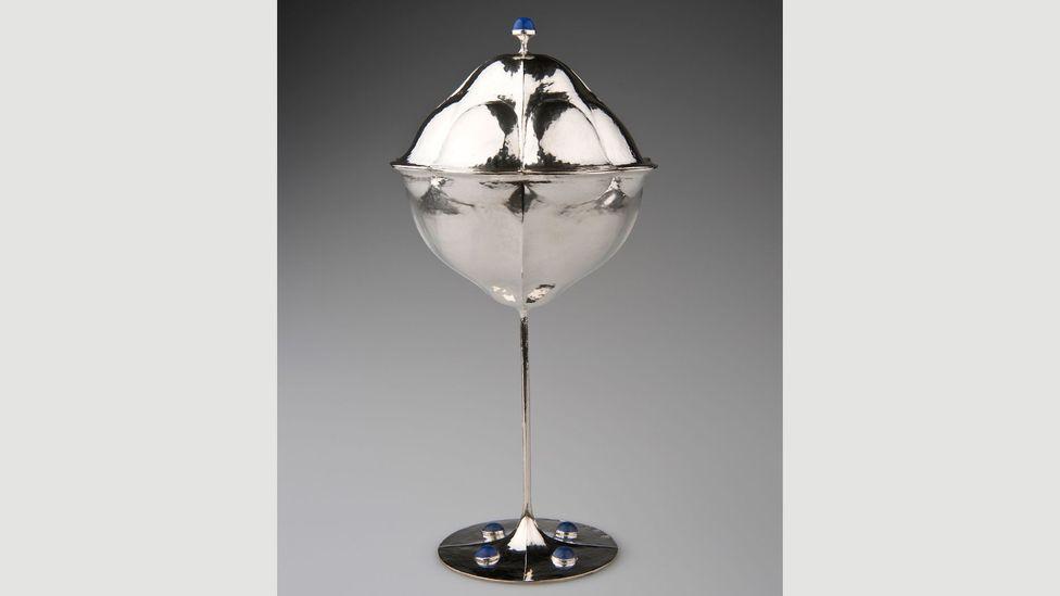 Koloman Moser, lidded goblet, 1905, made by Wiener Werkstätte (Adolf Erbrich) (Credit: MAK/Katrin Wißkirchen)