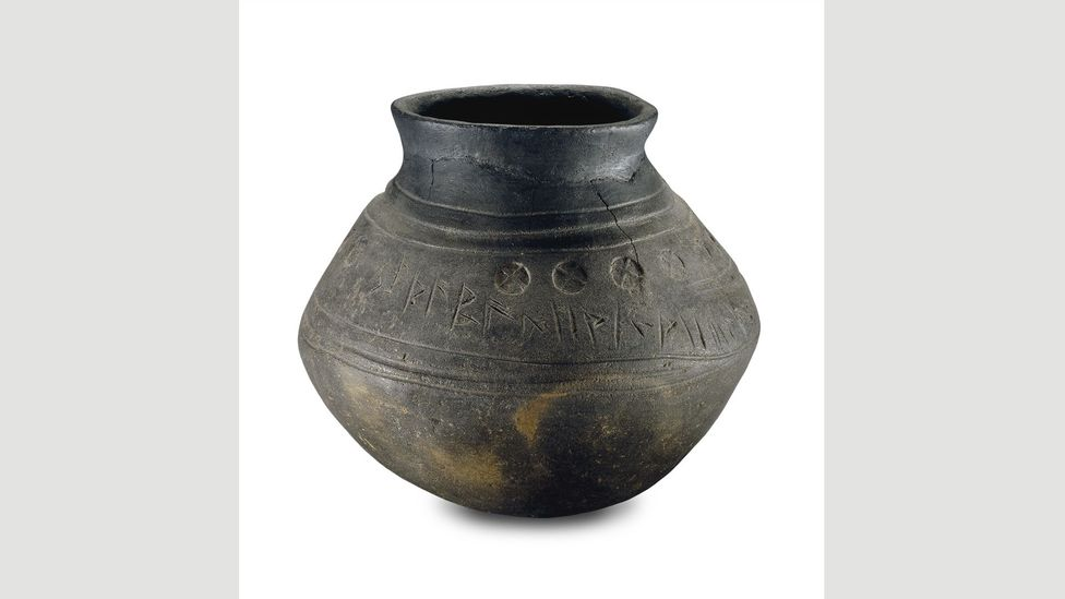 Cremation urn from Loveden Hill, 5th Century (Credit: The Trustees of the British Museum)