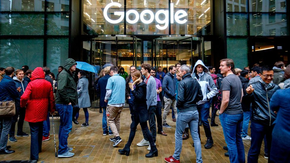 Google staff stage a walkout at the company's UK headquarters in London on 1 November 2018 (Credit: Getty Images)