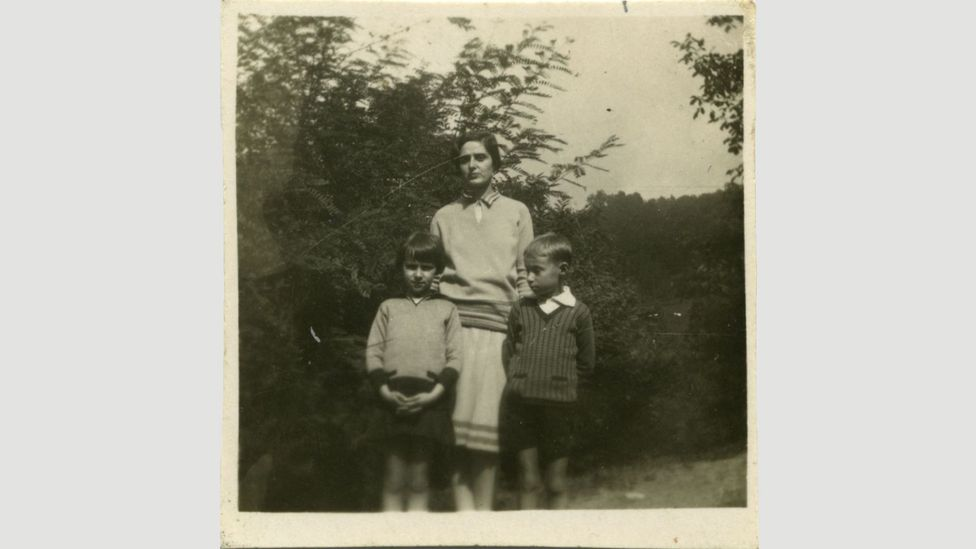 Primo Levi as a boy, pictured with his mother Ester and younger sister Anna Maria (Credit: Archivio Fondazione CDEC, Milano)