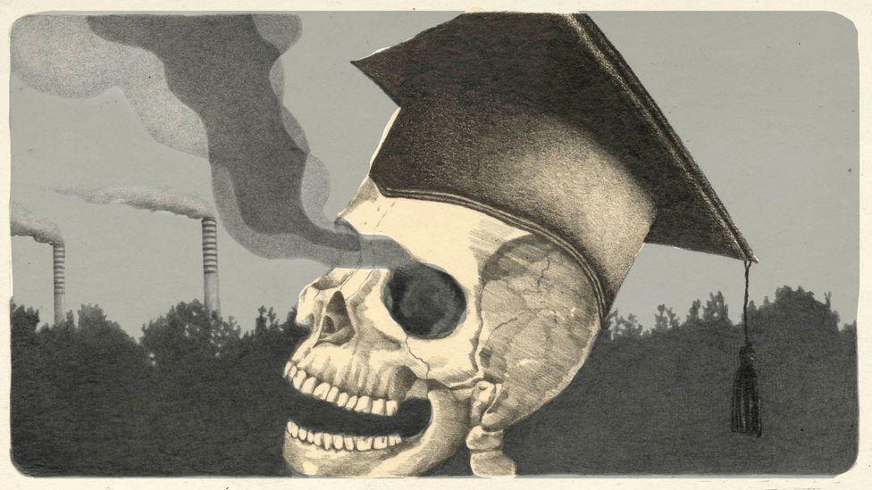 Image of skeleton in academic cap (Credit: Emmanuel Lafont)