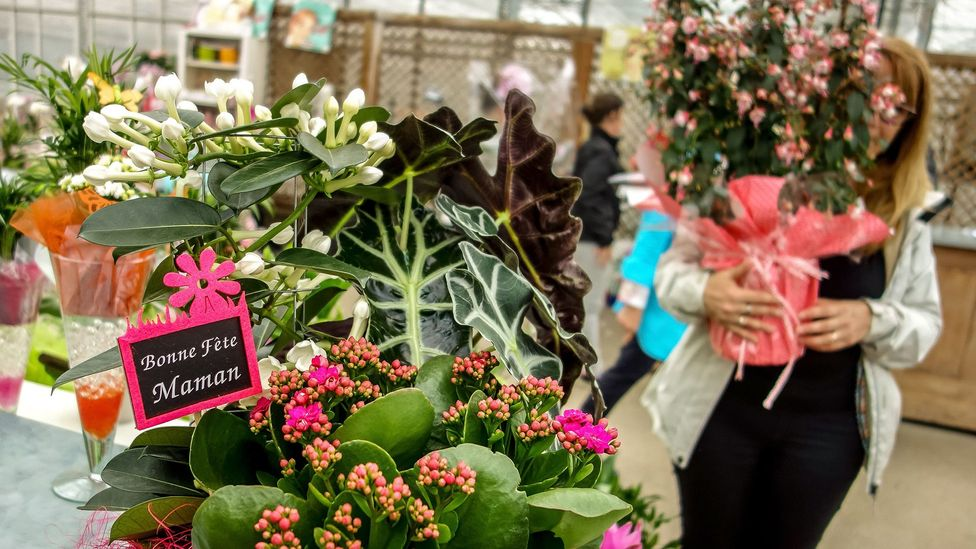 Mother's Day and Valentine's Day tend to be big flower holidays, pressuring growers and florists to hire extra help - thus bumping up the price tag (Credit: Getty Images)