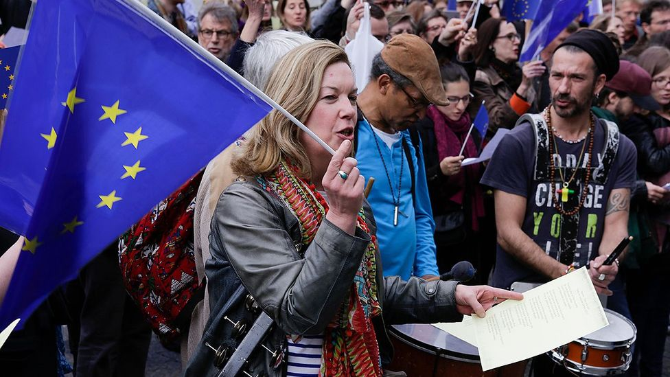 Pro-Europe activists sing the Ode to Joy, the Anthem of Europe outside the Centre Georges Pompidou in Paris (Credit: Alamy)