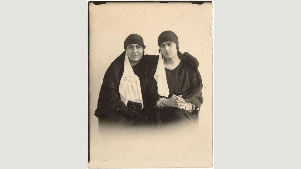 Hayat Gamaleddine & Souad Saleh Sobhi, 1922, by anonymous (Credit: Shahwar Hegazi collection, courtesy of the Arab Image Foundation)