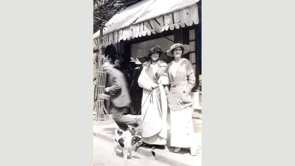 Coco Chanel (on the right) and friend at French resort Deauville (Credit: Ville de Deauville)