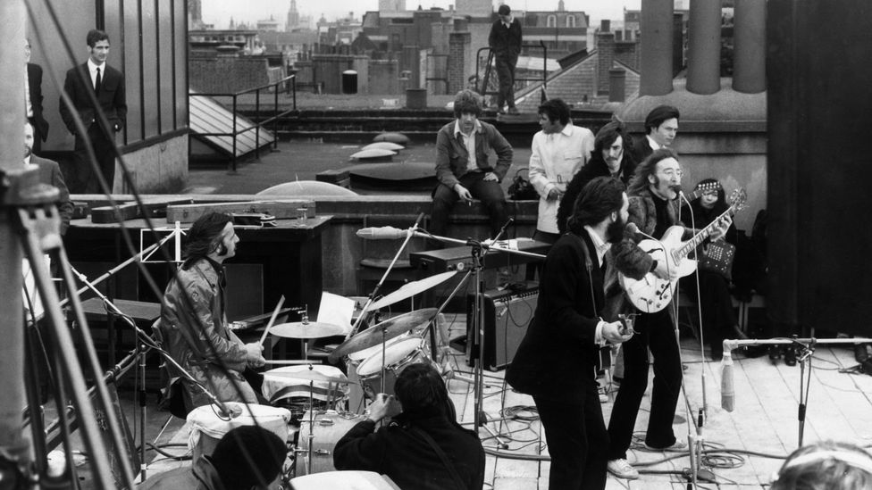 The Beatles on the roof of Apple singing Get Back