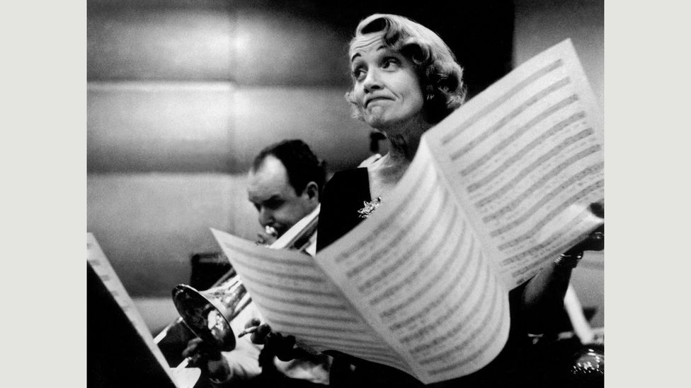 Eve Arnold, Marlene Dietrich at the Recording Studios of Columbia Records, New York, November 1952 (Credit: Eve Arnold / Magnum Photos)