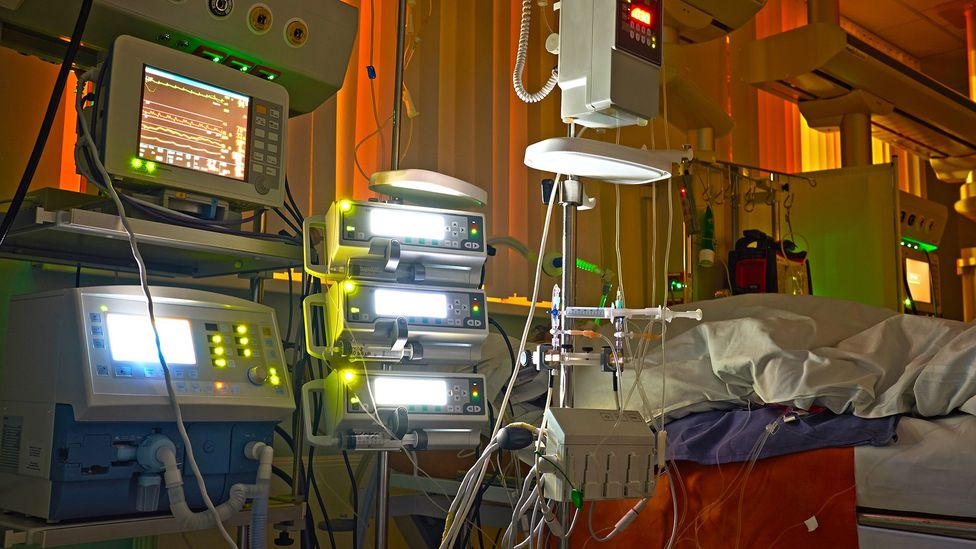 Hospitals at night often have a lot of artificial light that can not only disrupt patients' sleep but also how their body heals (Credit: Getty Images)