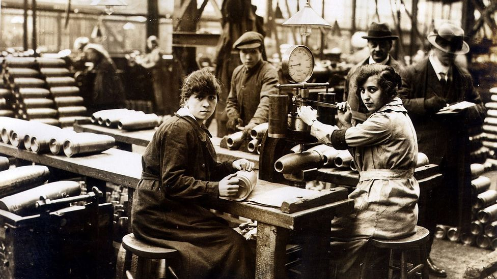 Wartime munitionettes  typically put in more than 50 hours of work per week, and sometimes as many as 72 (Credit: Alamy)