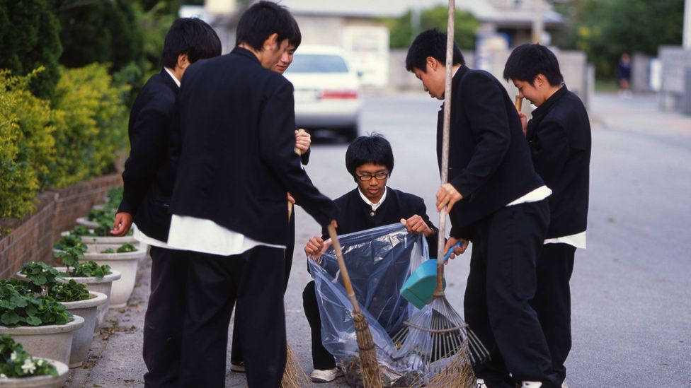 At Japanese schools, cleaning is part of students' everyday routine (Credit: Chris Willson/Alamy)