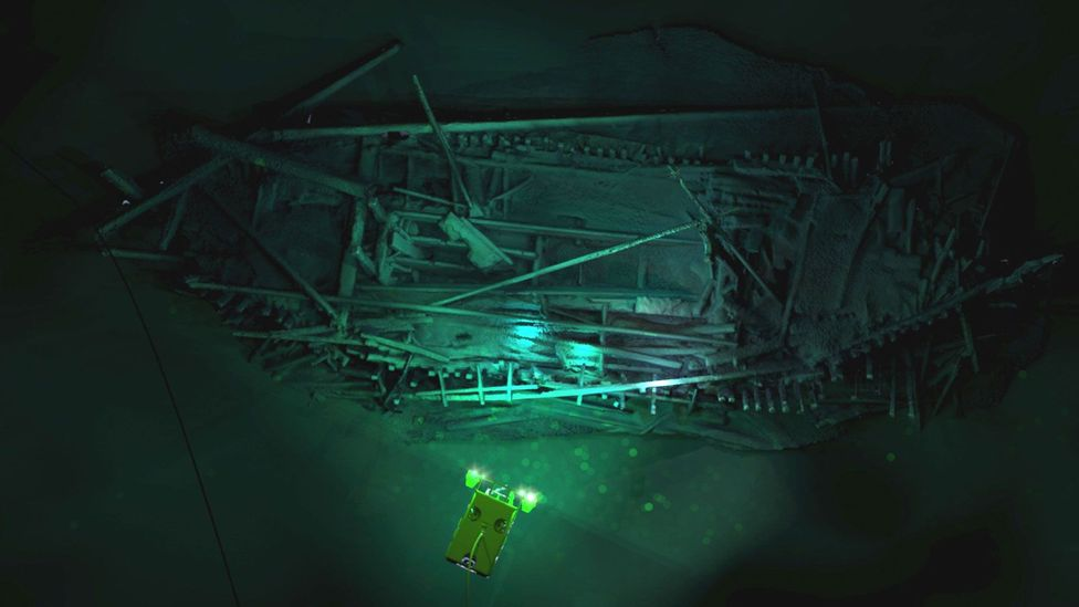 """As only a few types of bacteria survive in Black Sea's """"anoxic sea"""", shipwrecks can be preserved for millennia (Credit: Rodrigo Pacheco Ruiz)"""