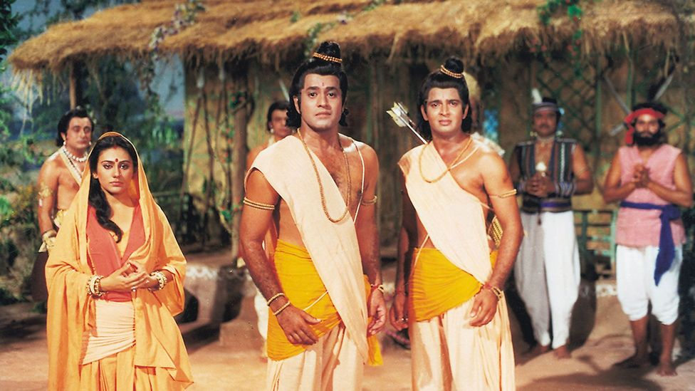 While in the forest, Laxman, Sita and Lord Ram hear that Bharat is coming with an army (Credit: Ramanand Sagar Productions)