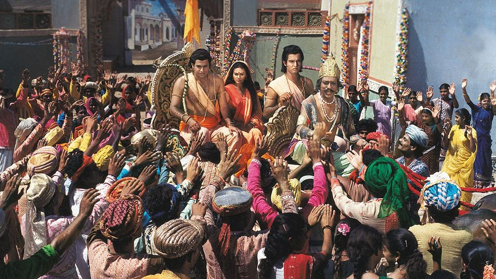Exiled from Ayodhya, Lord Ram is taken with his brother Laxman (Sunil Lahri) and wife Sita in a chariot to the outskirts of the city (Credit: Ramanand Sagar Productions)