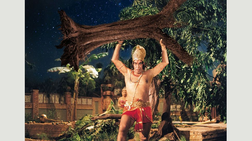 Hanuman (Dara Singh), a Hindu god and ardent devotee of Lord Ram, is believed to be the inspiration for the monkey hero in the Chinese novel Xiyouji (Journey to the West)