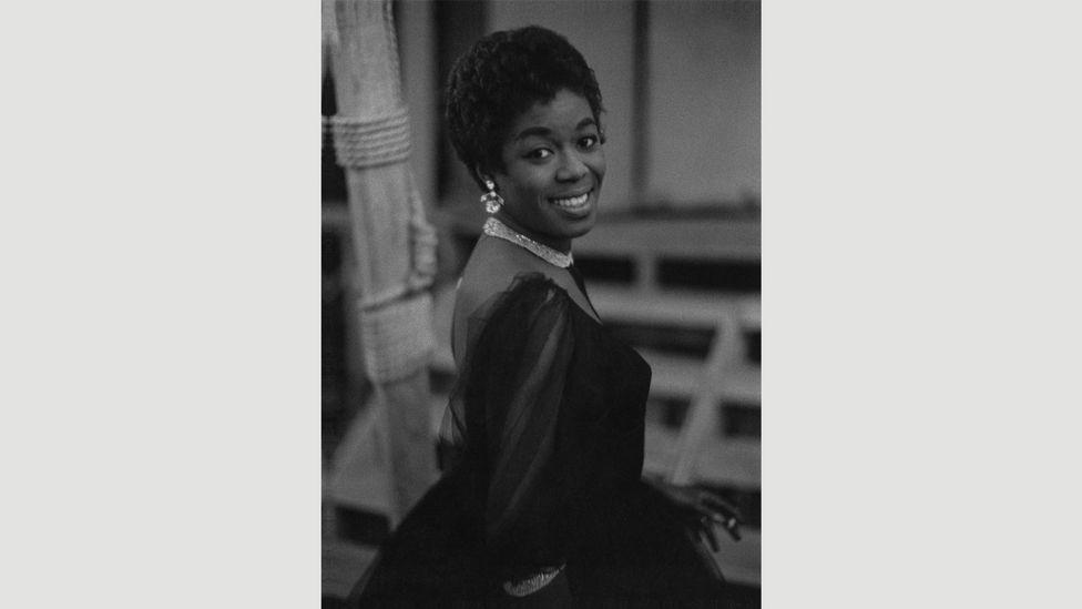 Sarah Vaughn, 1956 (Credit: Estate of Roy DeCarava. Courtesy David Zwirner)