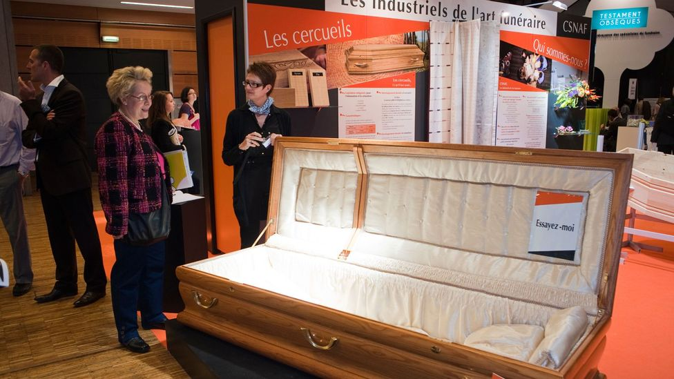 As the French funeral industry grows, young entrepreneurs are offering streamlined organizational and administrative assistance to bereaved families (Credit: Alamy Photos)