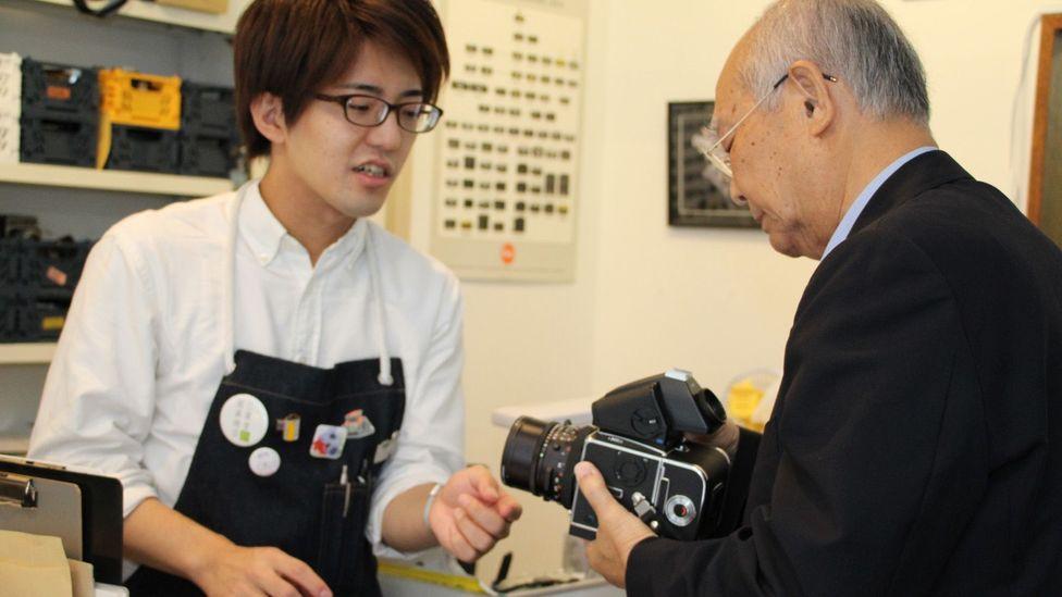 Customers come to rediscover old cameras (credit: Yuko Komura)