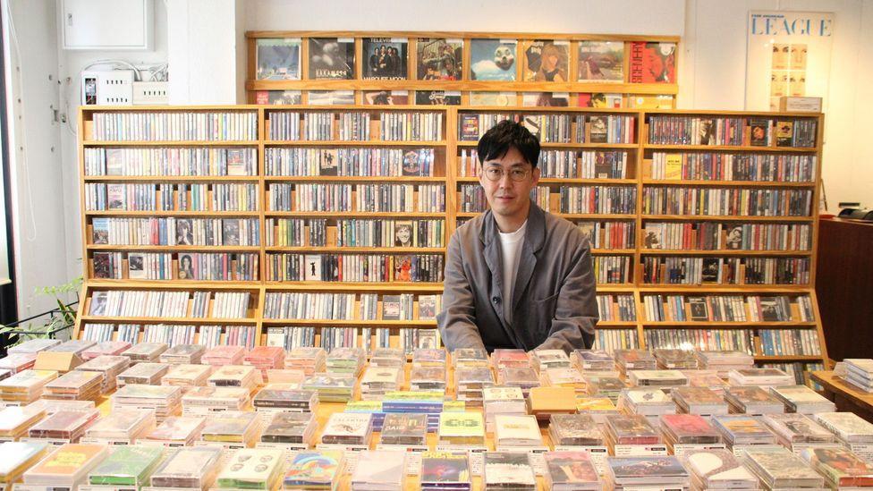 Owner of waltz, Taro Tsunoda, believes music should be something tangible (credit: Yuko Komura)