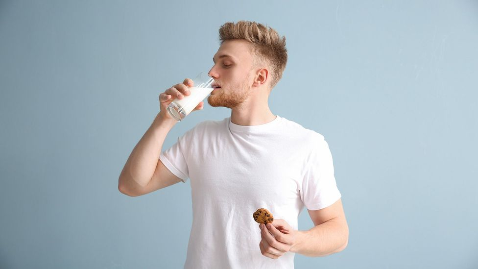 People who drank a litre of milk a day may have an increased heart disease risk, but that could be because they don't have a healthy diet overall (Credit: Getty Images)