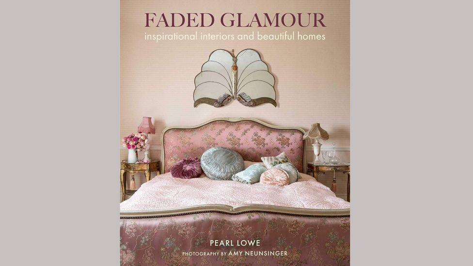 Faded Glamour, Cico