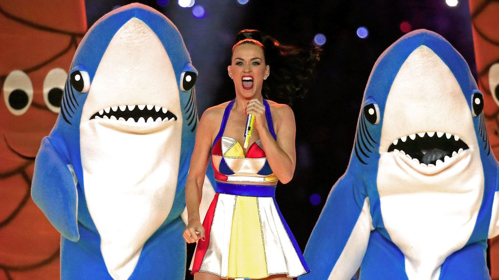 Katy Perry, Lenny Kravitz, and Missy Elliott at the Super Bowl Halftime show 2015