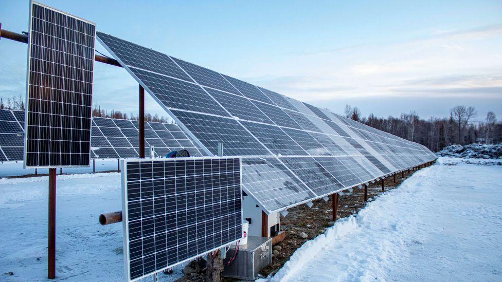 Preços altos de eletricidade no Alasca aumentam apetite pelas fontes renováveis (fonte: BBC))