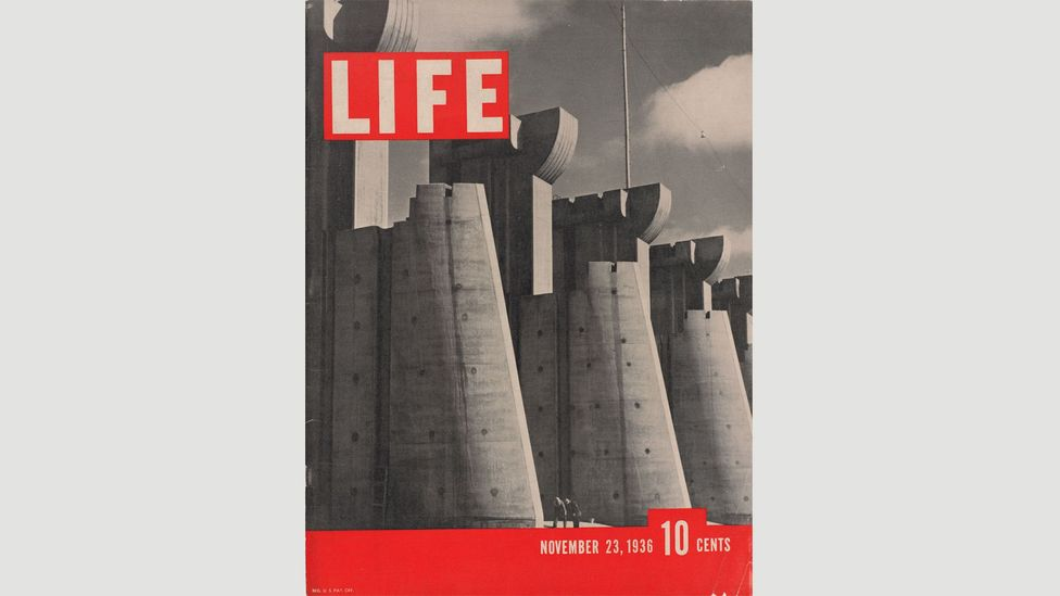 Cover of Life Magazine, 23 November, 1936: photo of Fort Peck Dam by Margaret Bourke-White (Credit: The Picture Collection Inc)