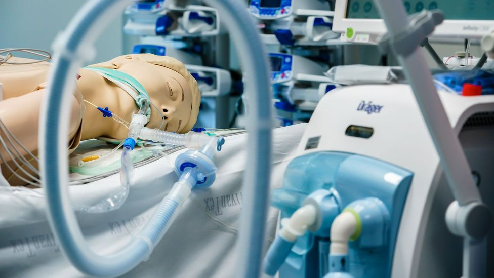 A ventilator by the company Draeger is shown on a dummy at the Vivantes Humboldt Hospital in Berlin, Germany, in March 2020 (Credit: Getty Images)