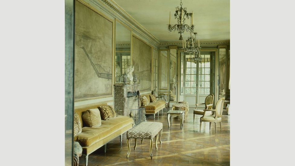 Interior designer Elsie de Wolfe was known for her light touch and uncluttered spaces