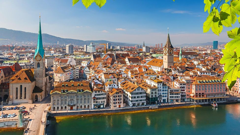 Zurich office rents per employee can amount to between $3,148 - $5,247 annually, one business body suggests