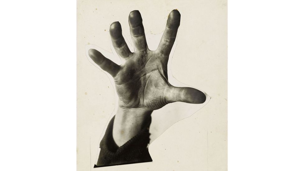 Five Fingers Has the Hand (1928) (Credit: The Heartfield Community of Heirs / VG Bild-Kunst, Bonn 2020. Akademie der Künste, Berlin)