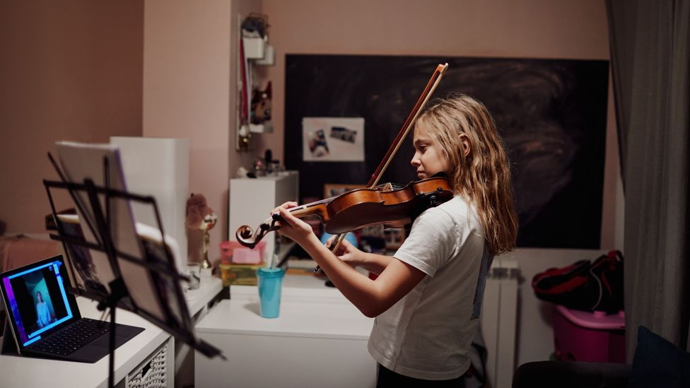 Members of time banks offer and receive services such as music lessons, painting services or language instruction (Credit: Getty Images)