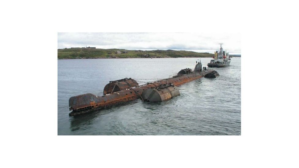 The K-159 towing operation was beset by bad weather, and the vessel began taking on water (Credit: Nuclear-Submarine-Decommissioning.ru)