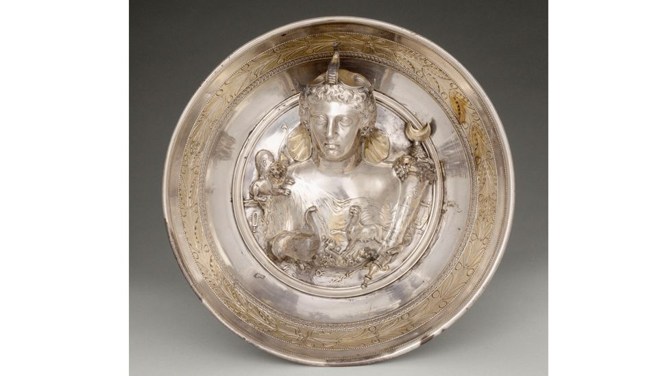 Silverware from the ancient Roman Boscoreale Treasure is among the objects on display at the exhibition, Luxes (Credit: RMN-Grand Palais/ Musée du Louvre / Hervé Lewandowski)