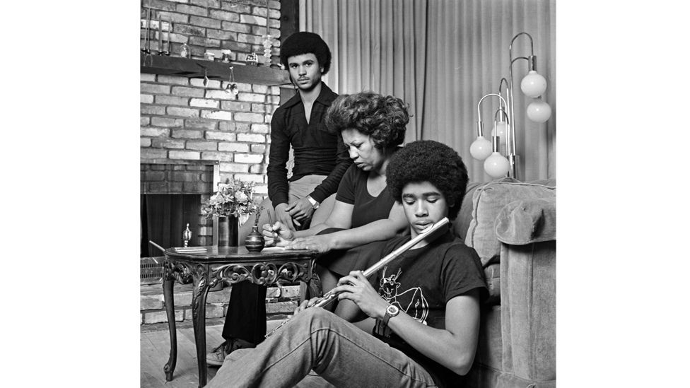 The author pictured at home with her sons in 1978 (Credit: Getty Images)