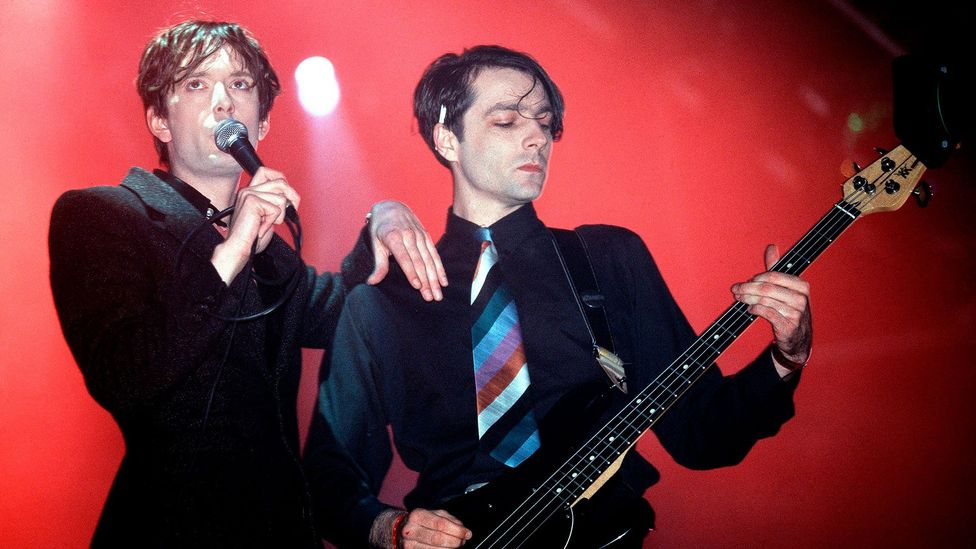 """According to Melody Maker, Pulp was """"not so much the jewel in Britpop's crown, more like the single solitary band who validate the whole sorry enterprise"""" (Credit: Getty Images)"""