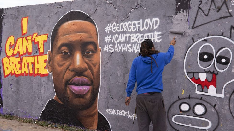 In Berlin's Mauerpark, a mural by Dominican-born artist Eme Freethinker depicts Floyd (Credit: Abdulhamid Hosbas/Anadolu Agency/ Getty Images)